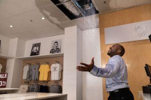 Water leak in commercial establishment